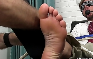 Good anticipating stud doomed up and gagged while toe sucked