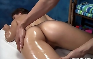 Ava Taylor comes for a massage