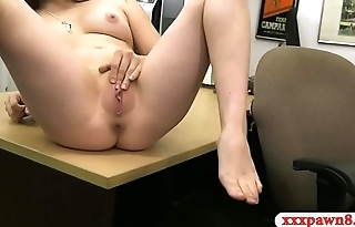 Amateur babe with glasses banged so good by pawn keeper