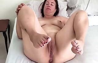 Mature pregnant move pussy