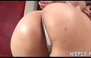 Delicious beauties like pissing in make an issue of process of pussy toying