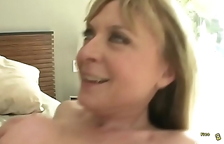Lusty peaches cougar is wearing sexy black nylon