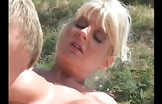 Pool boy gets a nice cock sucking by the slutty blonde Vicki Vogue not allowed