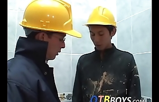 Lusty construction working twinks engage in anal drilling