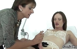 Adulterous english mature lady sonia reveals her big naturals