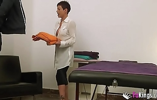 My name'_s Lisa, 37yo masseuse, and I will film herself fucking a patient