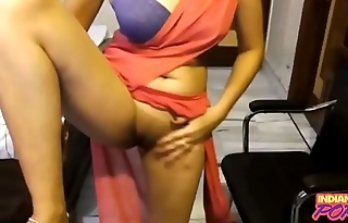 Indian Amateur In Saree Showing Her Shaved Virgin Pussy